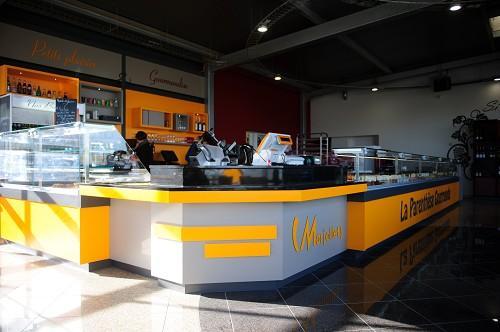 comptoir boucherie jaune
