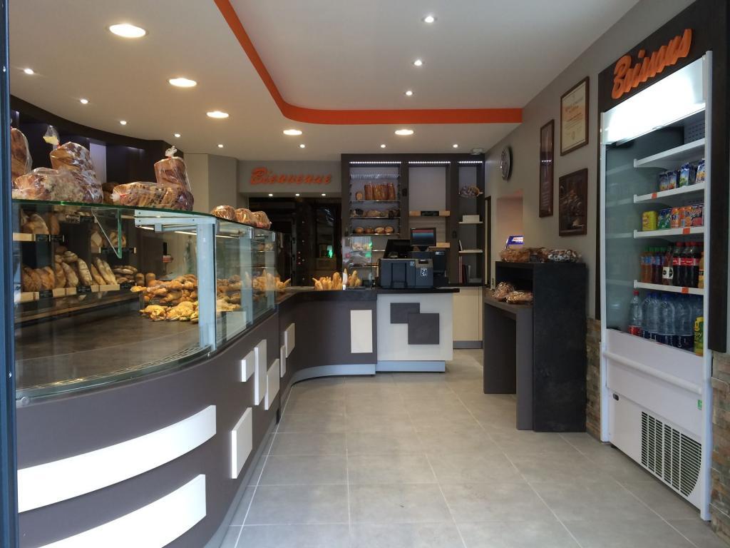 intérieur boulangerie marron