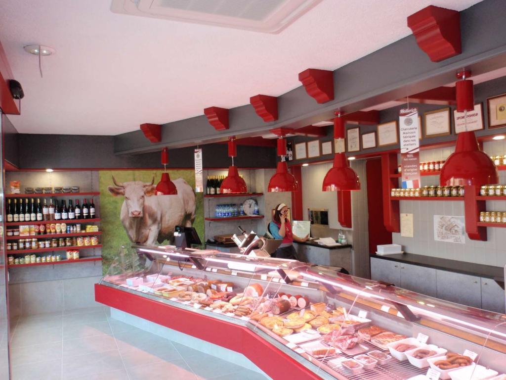 intérieur boucherie rouge