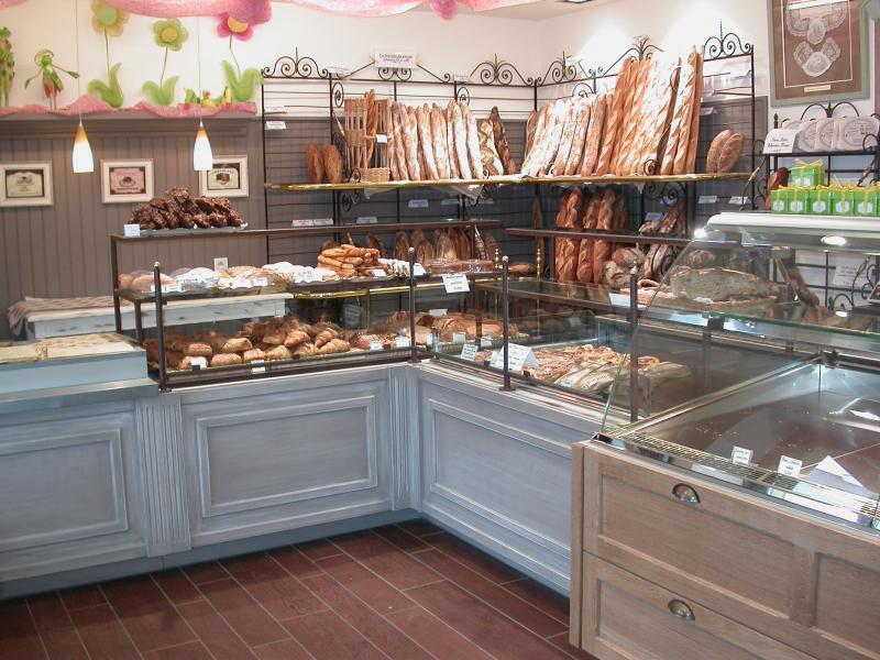 intérieur boulangerie avec pains
